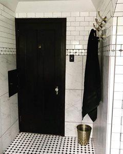 Vintage-Glam-Bathroom-Entry